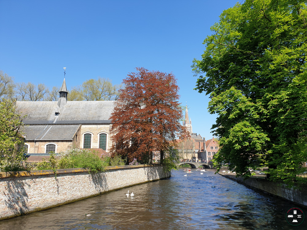 Canal et écluse lors de notre weekend à Bruges