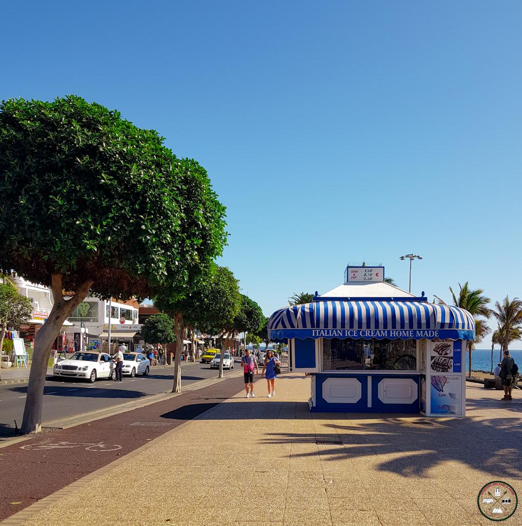 Promenade à Puerto del Carmen aux Canaries