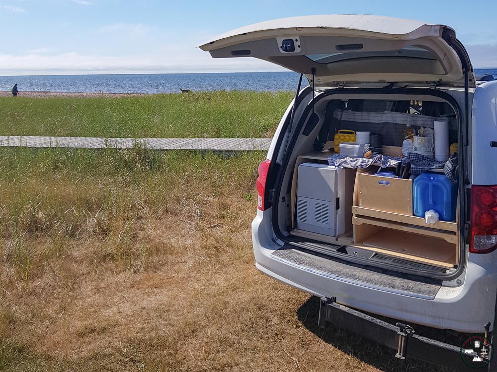Le kit du Baroudeur dans une Dodge Grand Caravan