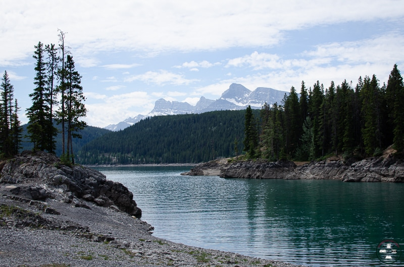 lac bleu Minnewanka à Banff